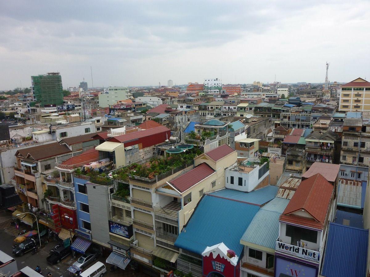 カンボジア、プノンペンにて初ASEAN経済フォーラムと発展へ